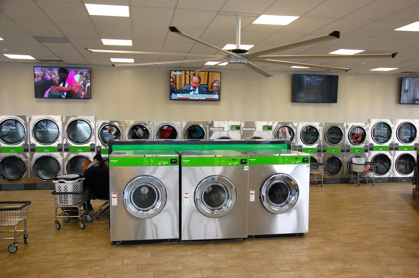 Impressive state-of-the-art 4000 sf Laundromat Thumbnail