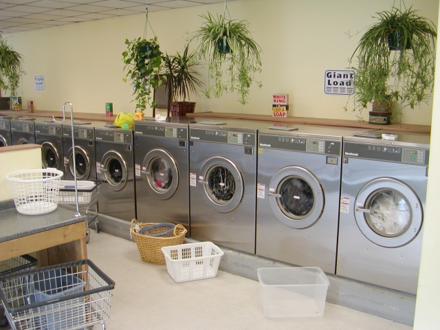 Large Washers with Laundry Thumbnail